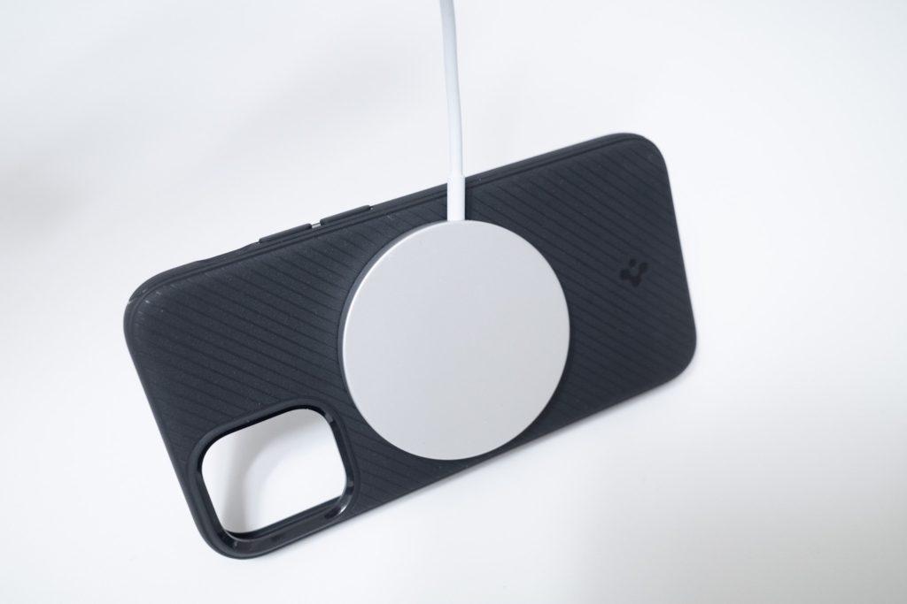 Spigen MAG ARMOR(iPhone12 mini用)Magsafe 充電器対応